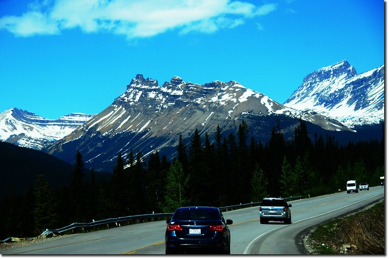 The scenery along  AB-93 N(Icefields Parkway) (6)