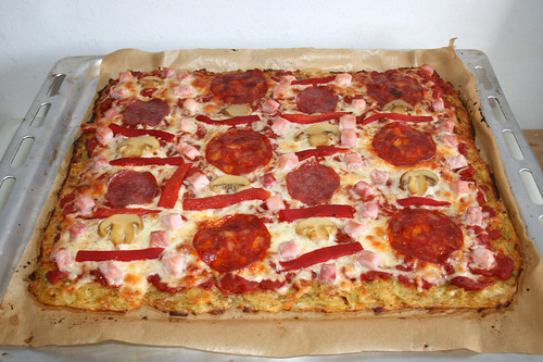 55 - Potato pancake pizza - Finished baking / Reibekuchenpizza - Fertig gebacken