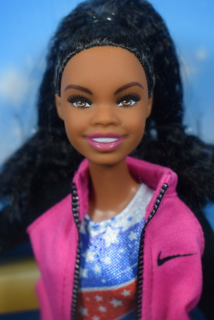 2016 Barbie Gabby Douglas FGC34 (1)