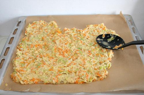 42 - Auf Backblech auftragen / Spread on baking plate