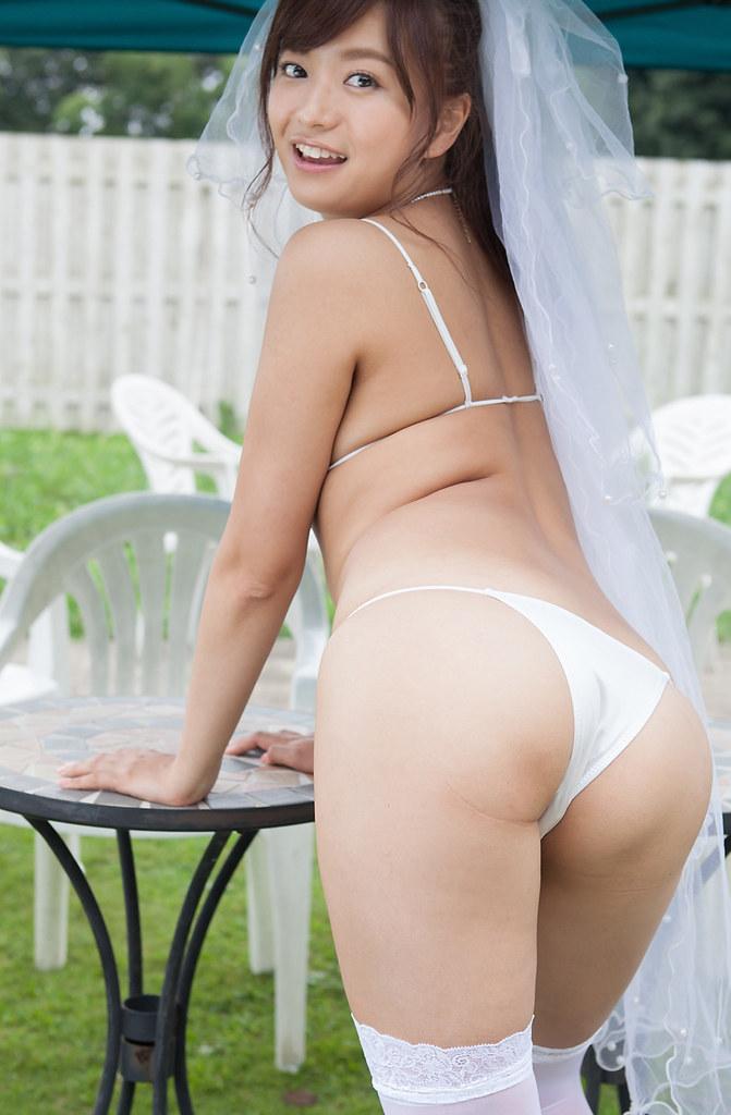 Mayumi Yamanaka Bikini Wedding (4)
