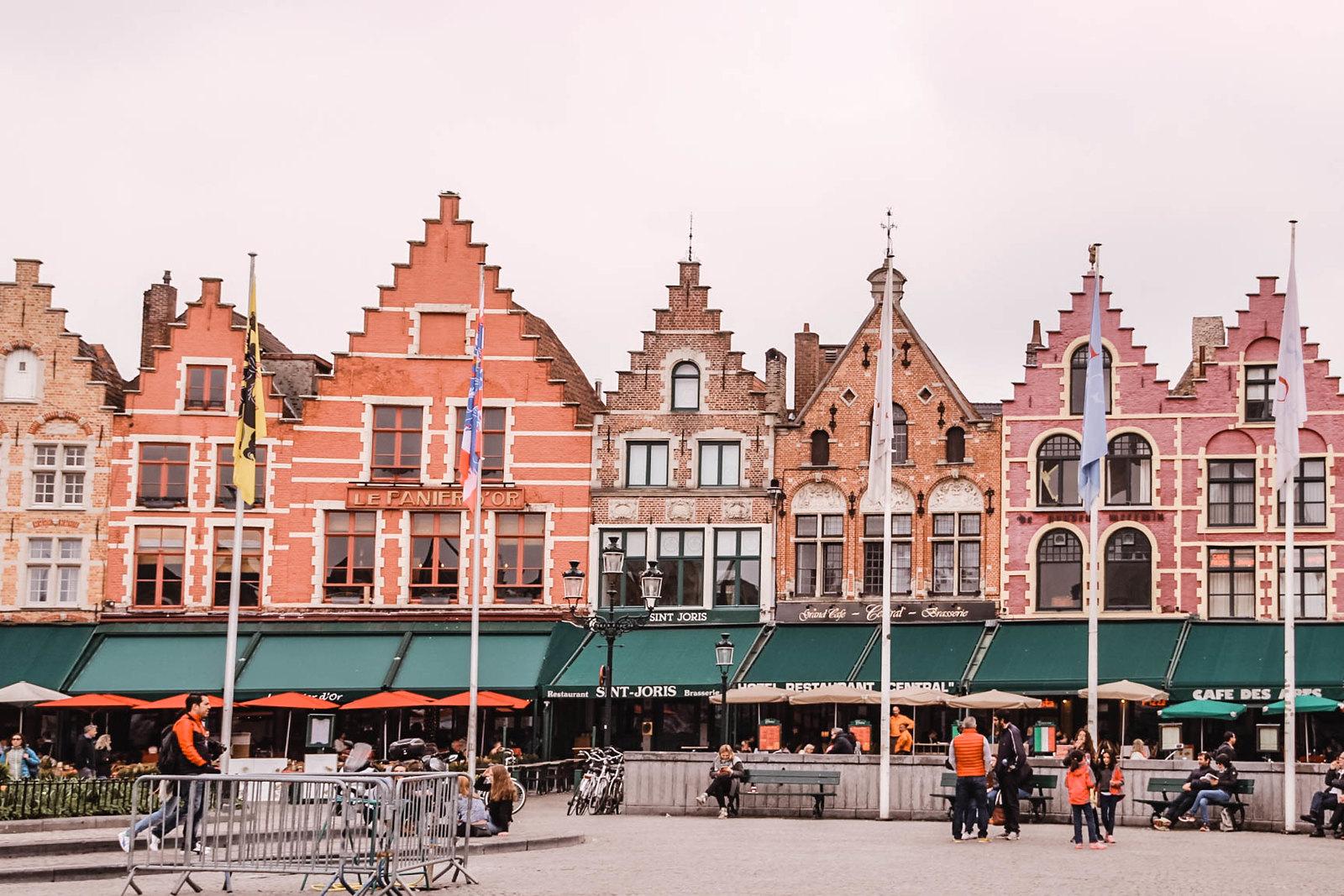 Bruges Markt Plaza