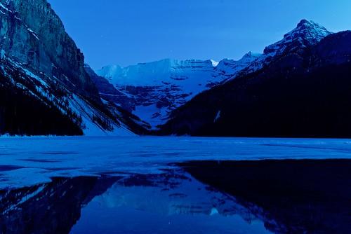 canada lake lakelouise mountain rockies