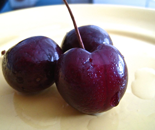 3 cherries on a, Canon POWERSHOT SD870 IS