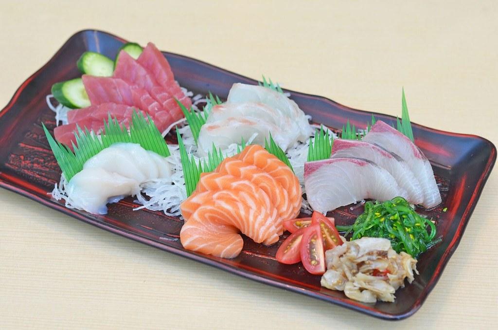 樱井鱼市生鱼片