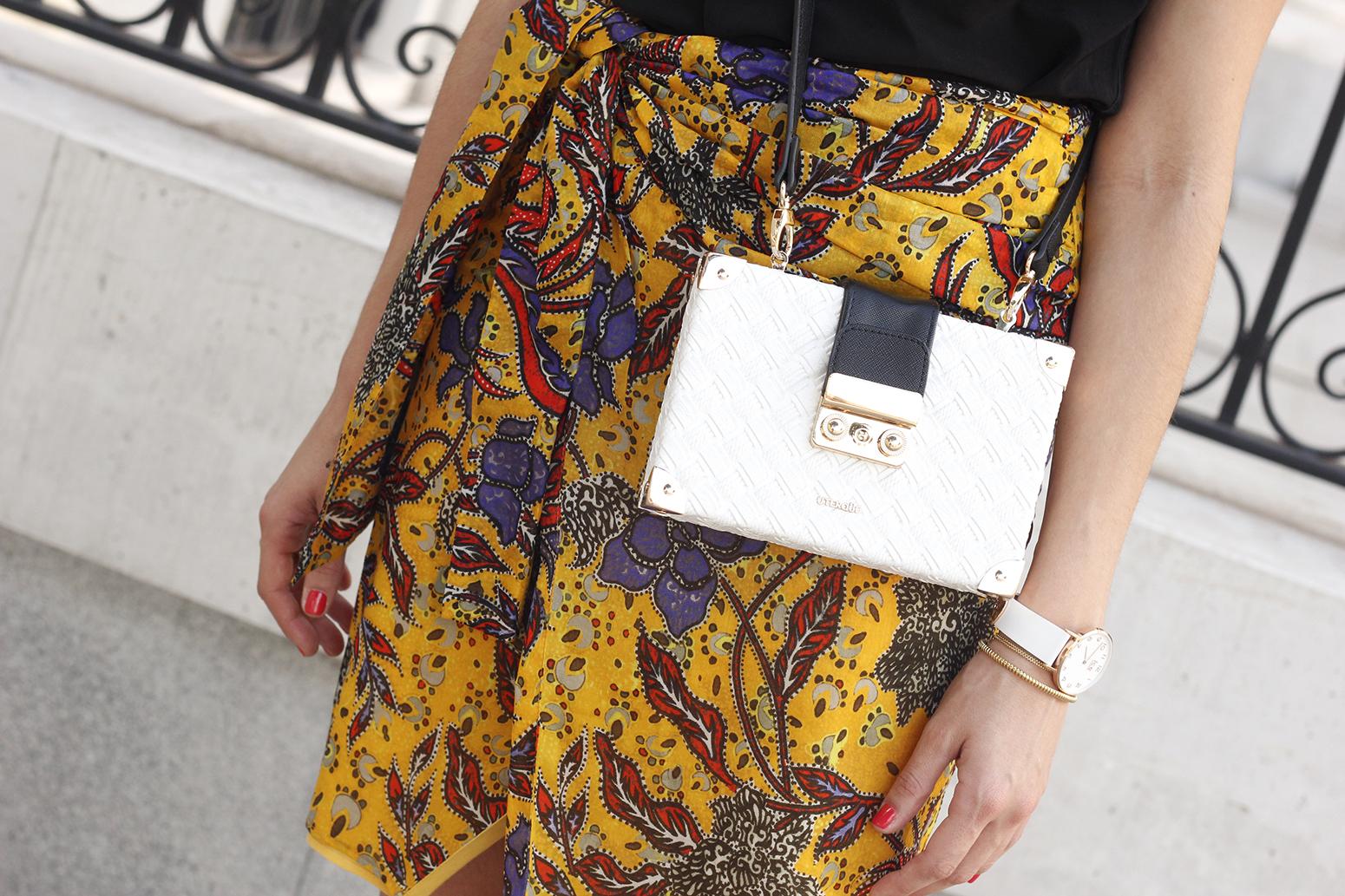 mustard floral skirt uterqüe bag heels summer outfit10