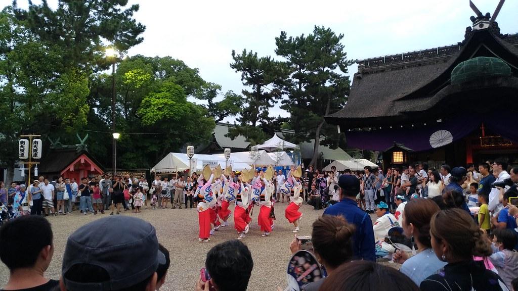 住吉祭 境内 踊り