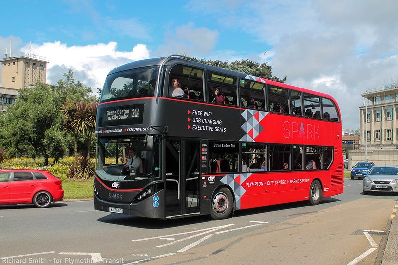 Plymouth Citybus 555 WA17FTC