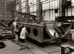 Welding a bedplate at the Doxford Engine Works