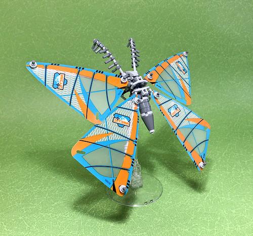 LEGO Mecha Moth-01