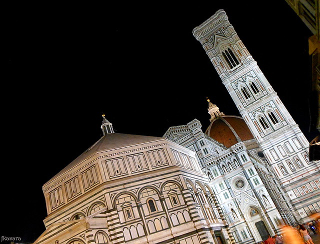 Santa Maria del Fiore by night