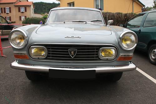 Peugeot 404 coupé face