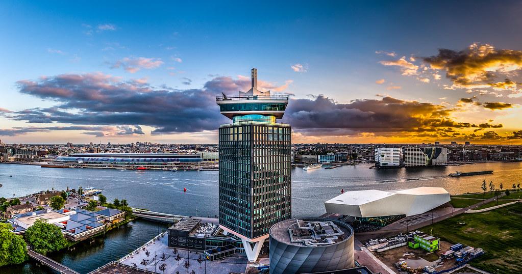 Mise en abime de la tour panoramique d'A'dam à Amsterdam - Photo de Shane Taremi