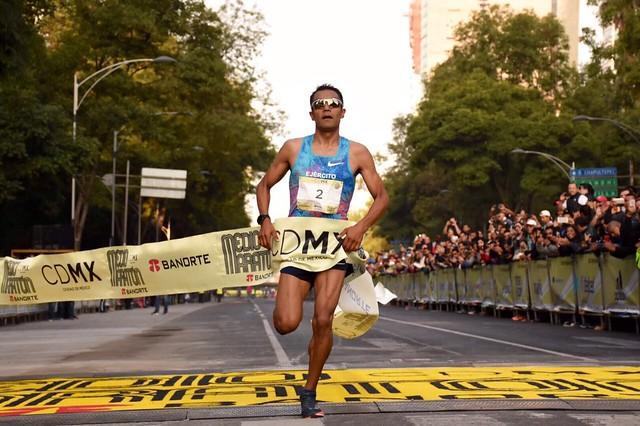 Juan Luis Barrios - Medio Maratón Ciudad de México 2017