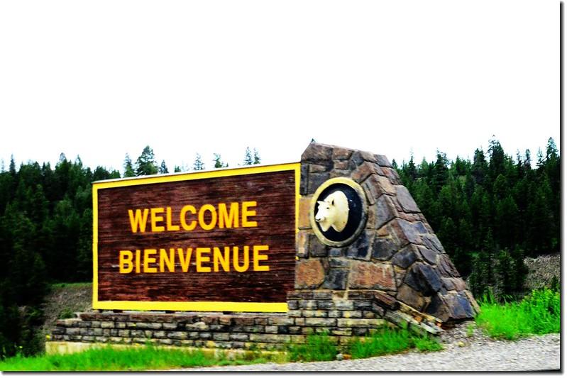 Entrance sign to Kootenay National Park