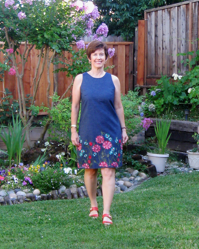 flower denim dress in garden2