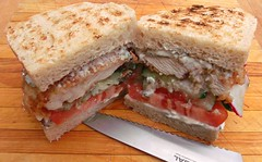 FRIED CHICKEN&BOURSIN SANDWICH