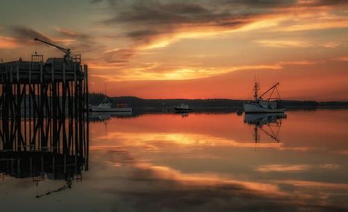 maine newengland coastalmaine coastalnewengland fishingvillage lobster roadtrip seascape lobsterboat lobstah harbor sunset reflections lubec me
