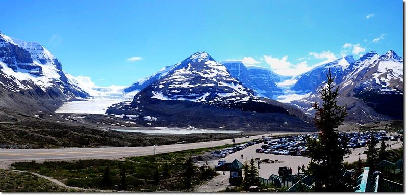Looking south at Columbia Icefield from Columbia Icefield Glacier Discovery Centre 2