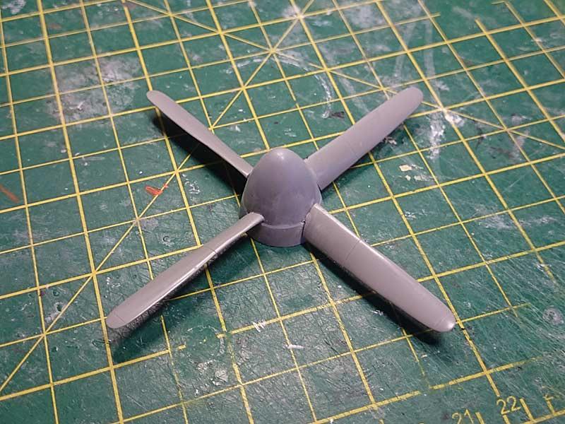 P-51D-5 (Dragon, 1/32) 36079151585_bb00f42afd_b