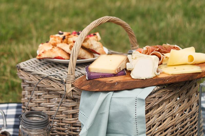 Sommer-Picknick-Käse-Schinken