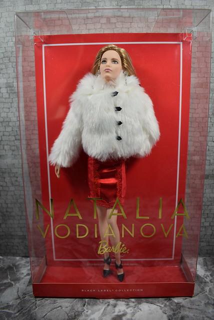 2016 Barbie Natalia Vodianova CHX13 (2)