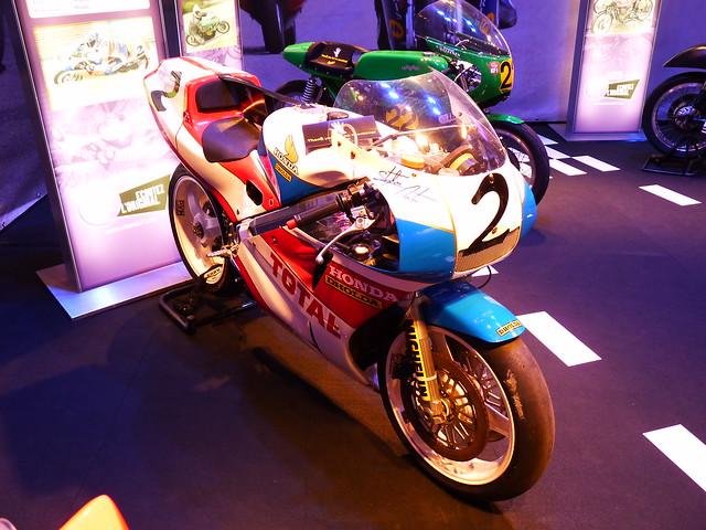 Honda RC 30 de, Panasonic DMC-FZ38