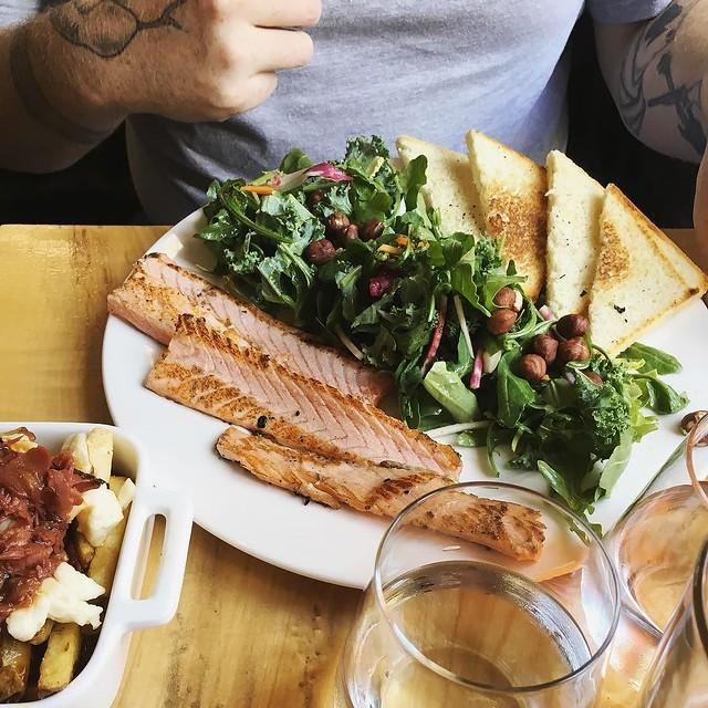 #beclubbistrobar #quebecrestaurant #vieuxquebec #salmon