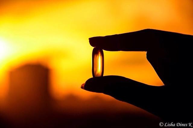 #Smashingphotography #fb #yellow #sun #evening #pill #hand #sunset #city #photography #nikon #dineskumaran #throwback #orange