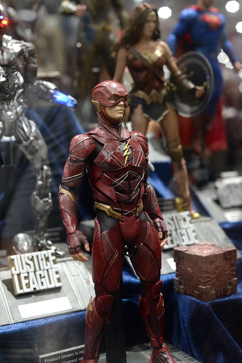 Hot Toys The Flash SDCC2017 (Pic by www.mwctoys.com) Justice League