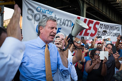 New York City Mayor Bill de Blasio visits a Local 3 IBEW picket line protest who have been on strike for 114 days in front of the Spectrum store in Queens on Wednesday, July 20th, 2017. Edwin J. Torres/ Mayoral Photography Office.