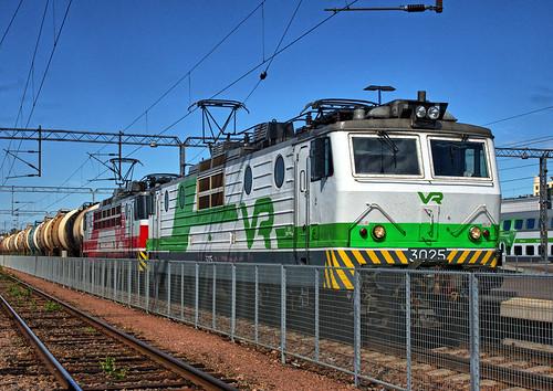 sr1 valtionrautatiet vr finnishstaterailways finland railways electric locomotive kouvola cargo freight station