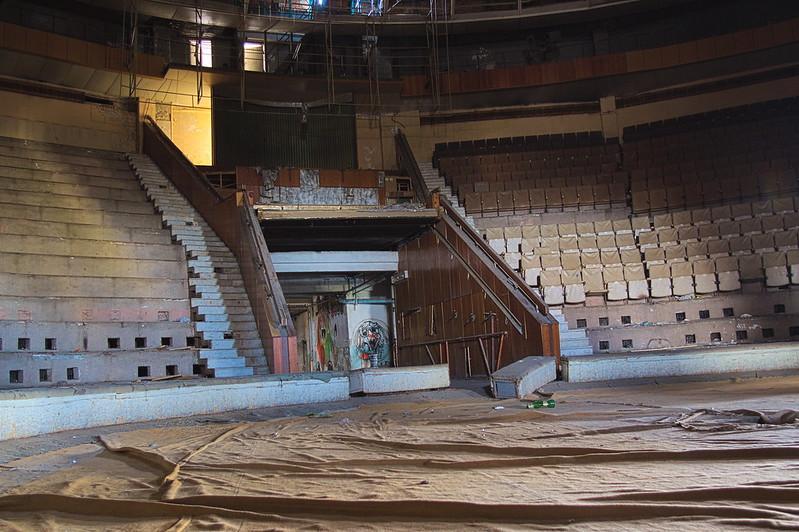 Interior circo abandonado