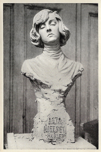Bust of Asta Nielsen as Hamlet
