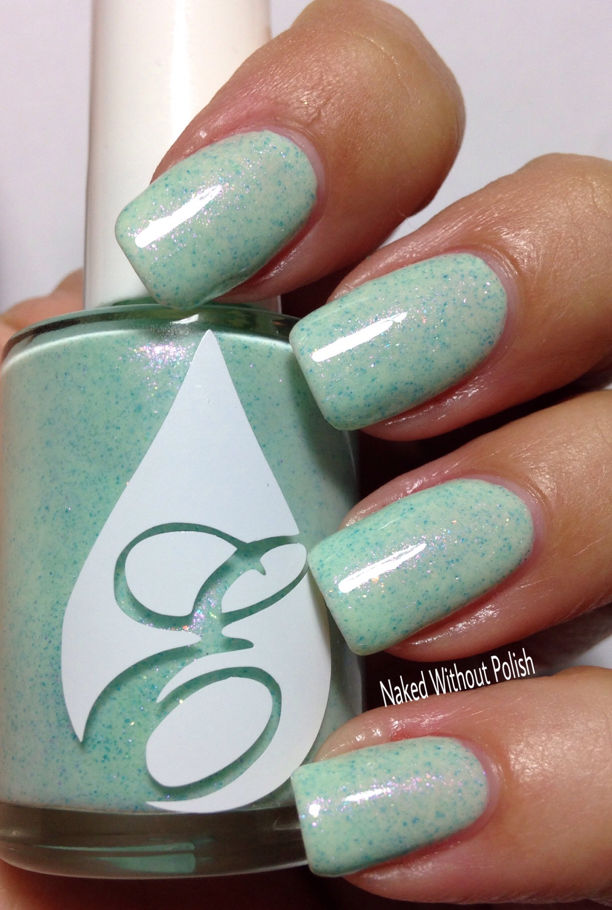 Envy-Lacquer-Seafoamin-Around-11