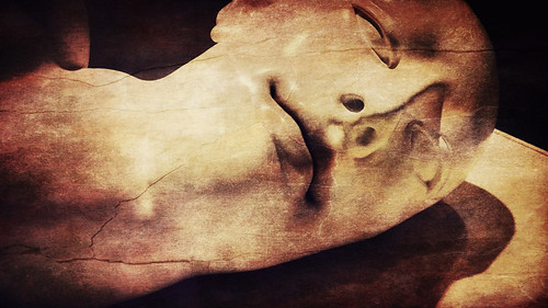Ceramic head in Portland Art Museum, Oregon