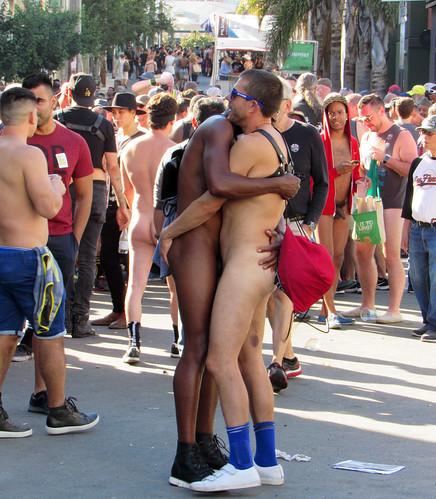 Hug (1400)