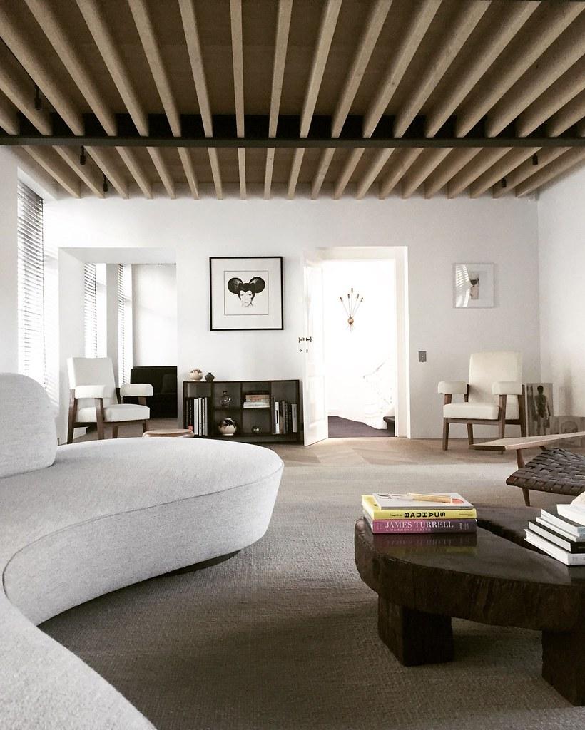 Monochrome home design in Antwerp by Brussels-based architect Nicolas Schuybroek Sundeno_03