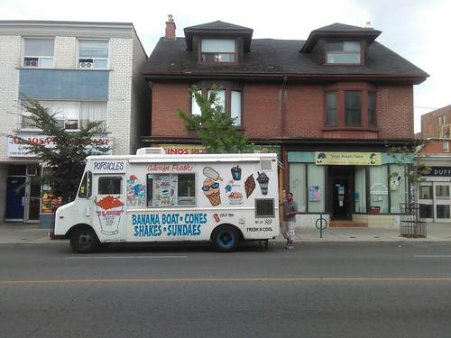 Ice cream truck, Bloor at Russett #toronto #bloordale #bloorstreetwest #truck #icecreamtruck