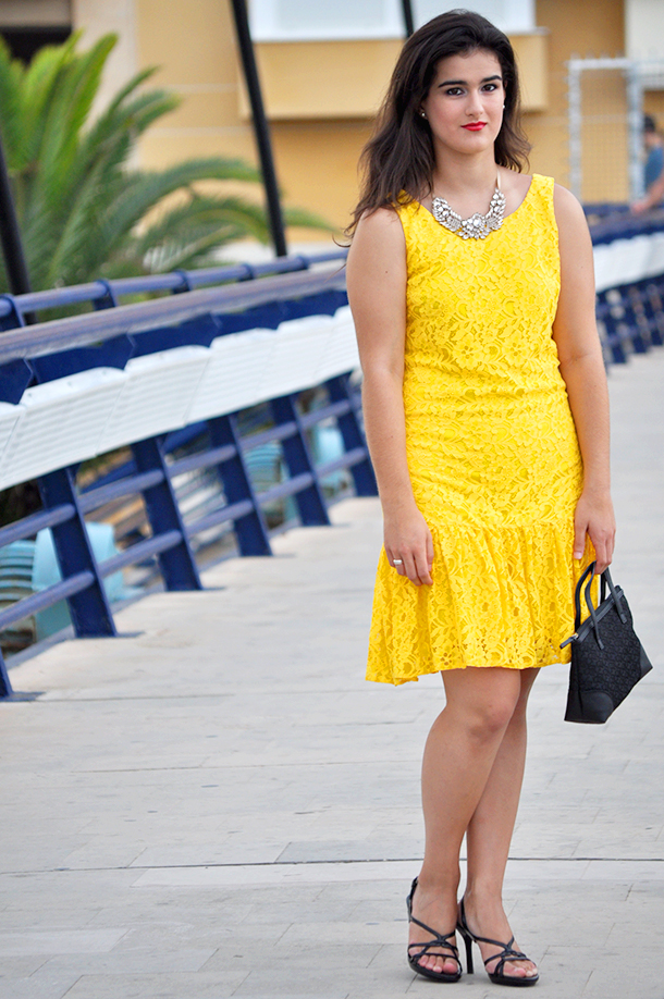 spain fashion blogger moda streetstyle yellow lace dress party prom how to wear, valencia something fashion
