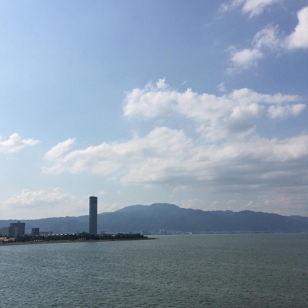 近江大橋を渡って草津方面へ。滋賀県クソ風が強くて嫌になるわー
