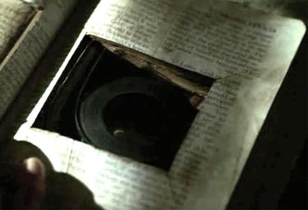 La théorie sur l'œil de verre et la vidéo cachée dans le hatch Arrow 36031839852_773650be8d_o