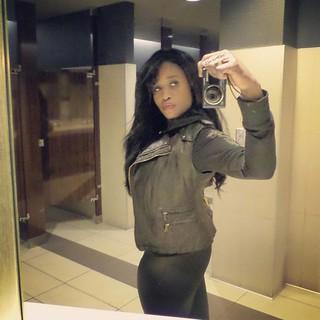 Rocking a quick #selfie in the bathroom 😀😀❤❤❤ #havingfun #rockit