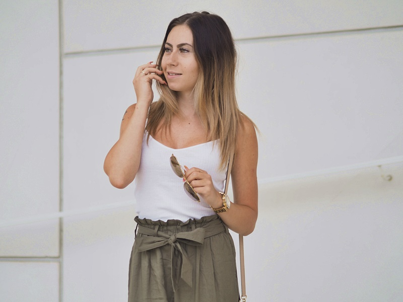 happy-smile-outfit-fashion-paperbagpants-outfit