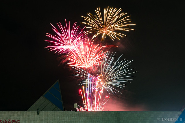 handheld shot of Chitose Doshin Fireworks 2017 (6)