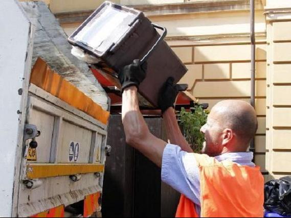 Noicattaro. Questione rifiuti front