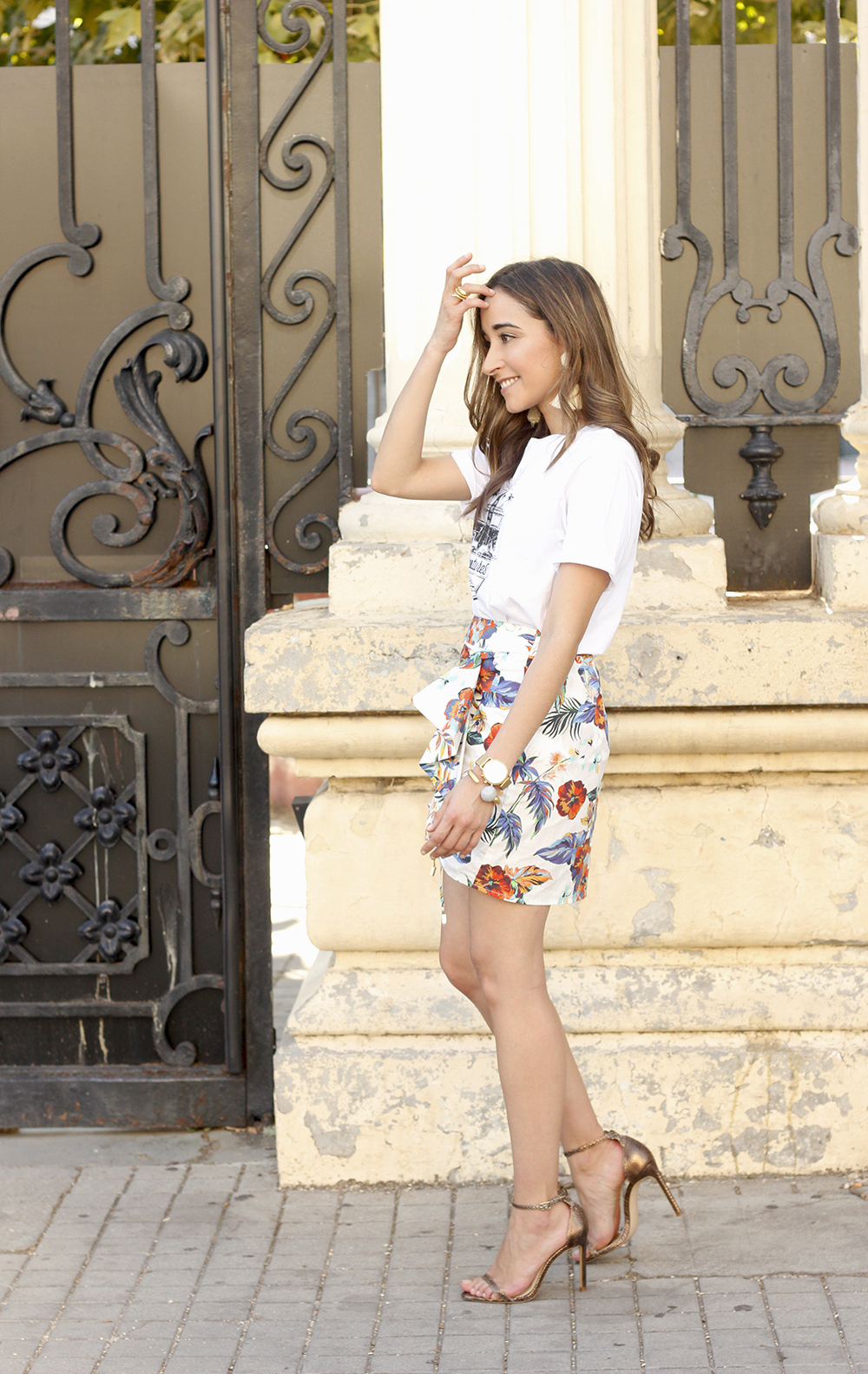 Tropical Floral skirt heels summer outfit fashion style12