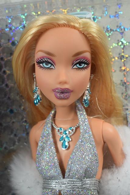 2005 Barbie My Scene My Bling Bling Barbie J1038 (1)
