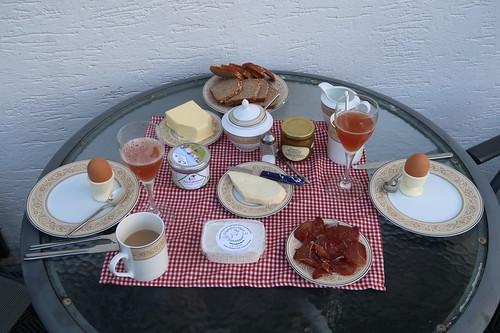 Zweites Frühstück in unserer Ferienwohnung in der Rhön