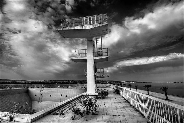 Plongeon à très haut risque!! Diving with very high risk!!